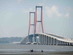 5. Suramadu_Bridge